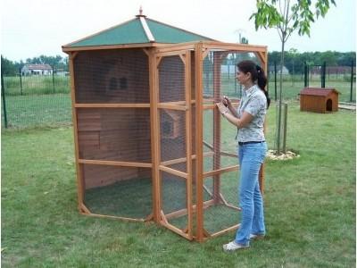 en avant premi re vente priv e 260 votre voli re hexagonale 4 5m2 en bois pour oiseaux avec. Black Bedroom Furniture Sets. Home Design Ideas