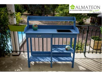 NOUVEAUTE votre table multi-usages lasurée couleur bleu utilisable en table rempotage ou table cuisine