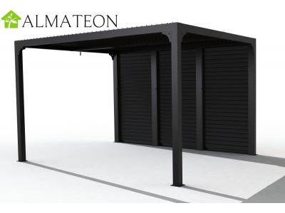 Pergola bioclimatique de 10,80 m2 en ALUMINIUM livrée avec 3 panneaux latéraux à ventelles pour l'un des côtés de 3,60 m