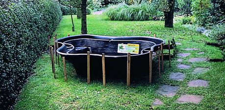 Délimiter la forme du bassin dans votre jardin